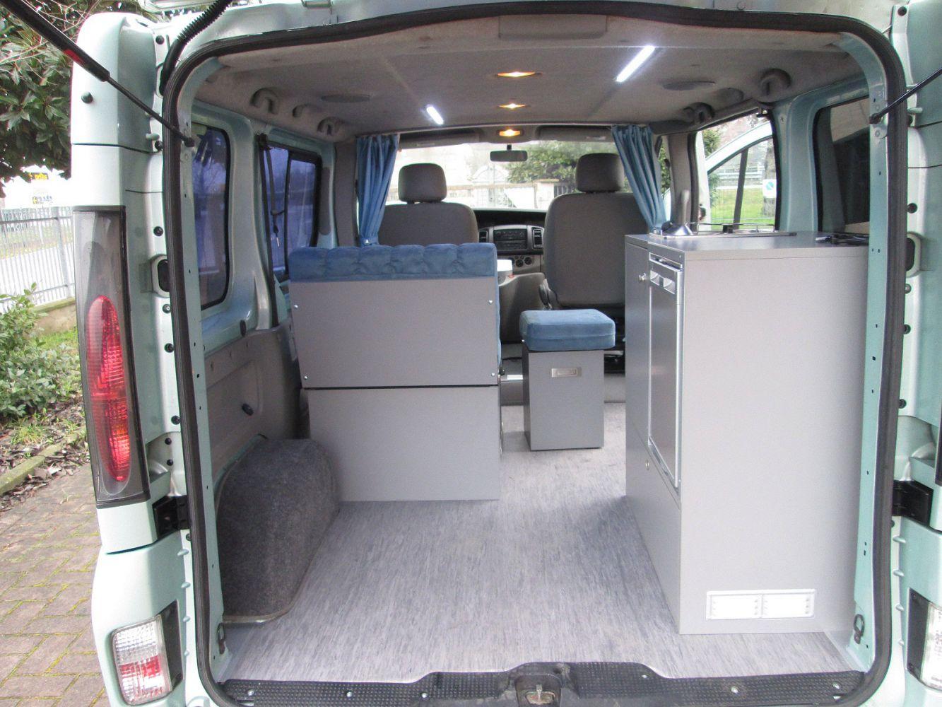 Ufficio mobile renault trafic valli s r l van for Mobile ufficio usato