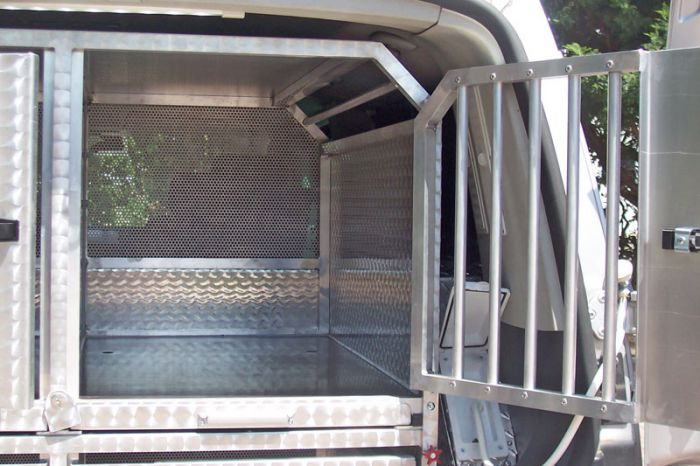 Special transformation: VW CARAVELLE 5 POSTI